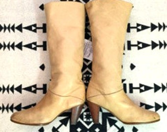 Vintage Boots Leather Frye Boots Tan Leather Boots Womens Boots Size 9 High Heeled Boots Southwestern Boots Slouchy Boots Western Boots