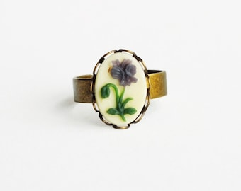 Purple Violet Ring Floral Cameo Ring Victorian Flower Ring Vintage Pansy Cameo Ring Adjustable Antique Brass Ring Victorian Floral Jewelry
