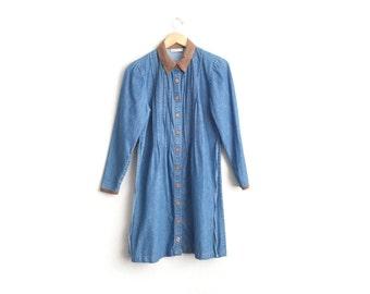 Size L // SALE // PINTUCKED DENIM Shirtdress // Long Sleeve Button-Front Dress - Contrast Collar - Vintage '90s.