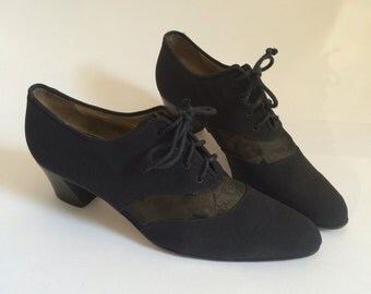 Vintage Mesh Cut Out Lace Up Heels Size 8 Narrow // Walter Steiger 80s 8N black pointed toe shoes