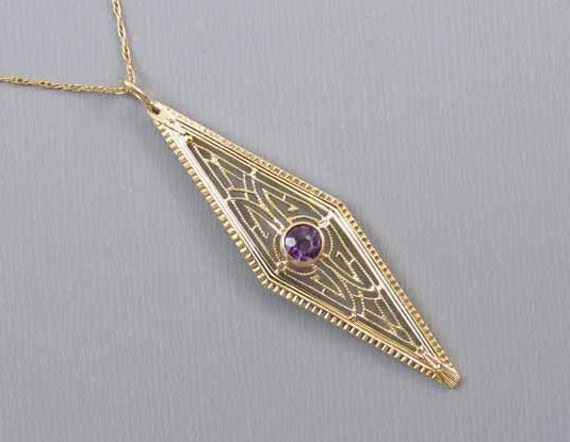 Vintage early Art Deco 14k gold filigree purple amethyst pendant necklace