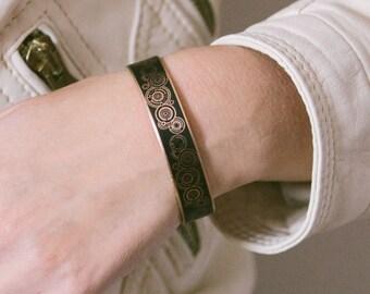 Whovian Gallifreyan Black Cuff Bracelet - Doctor Who Bracelet - Sci Fi Gift For Her - Time Lord - Handmade Valentine Gift For Boyfriend