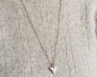 HAMMERED TRIANGLE NECKLACE
