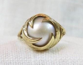 Vintage 10k Gold Pearl Cocktail Ring;  Midcentury Modern; Statement Ring; 10 Karat Gold