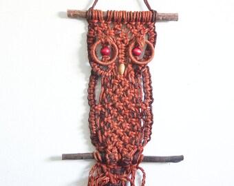 Vintage Macrame Owl / Jute Wall Hanging / Boho Decor