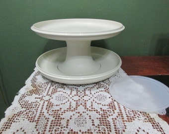 Tupperware Serve It All 4 Piece Pedestal Cake Plate