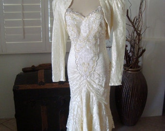 Susan Roselli For Vijack ILGWU Vintage 1980s Ivory Lace Embellished Wedding Suit Size 7/8