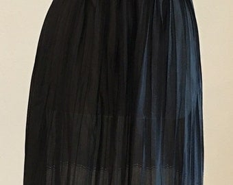 Vintage Half Slip - Black Crimp Pleat - Accordion Pleat Chevron Hem - Truso Fair Layered Slip Skirt - Rocker Girly - Half Slip - 22 28 Waist