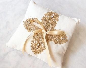 Melita Ring Pillow, Gold Wedding Ring Pillow, Vintage style Lace Ring Pillow, Gold Lace Ring Pillow, Rustic Wedding Ring Bearer Pillow