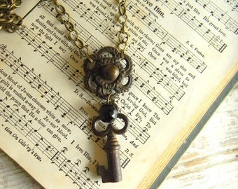Key Necklace, Skeleton Key Necklace, Antique Skeleton Key Pendant, Vintage Assemblage Necklace, Chunky Key Necklace, Steampunk Key Necklace
