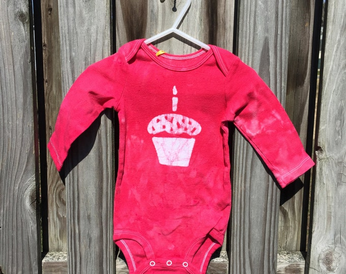First Birthday Baby Bodysuit, Baby's First Birthday Shirt, Red Cupcake Baby Bodysuit, Girls First Birthday, Boys First Birthday (12 months)