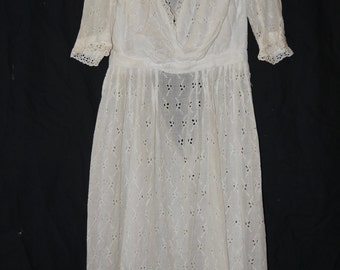 SALE Antique Edwardian Era Dress 1900s / 1910 Titanic Era Edwardian Dress / Embroidered Eyelet and Lace Cotton Lawn Dress