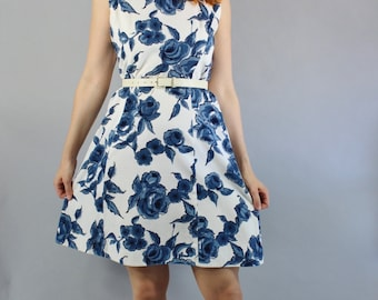 Vintage 60s Women's Blue White Roses Print Sleeveless Spring Summer Mod Shift Dress