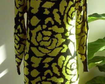 80s IN CHARGE--Black and Yellow Roses Sweater Dress--Acrylic--Never Worn with Tag--Size 8/10