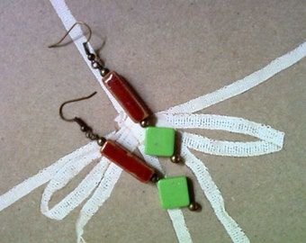 Red and Green Christmas Earrings (1693)