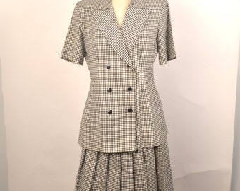 black and white houndstooth women's skirt suit 80s 90s vintage double breasted jacket and skater skirt Ellen Figg 8 10
