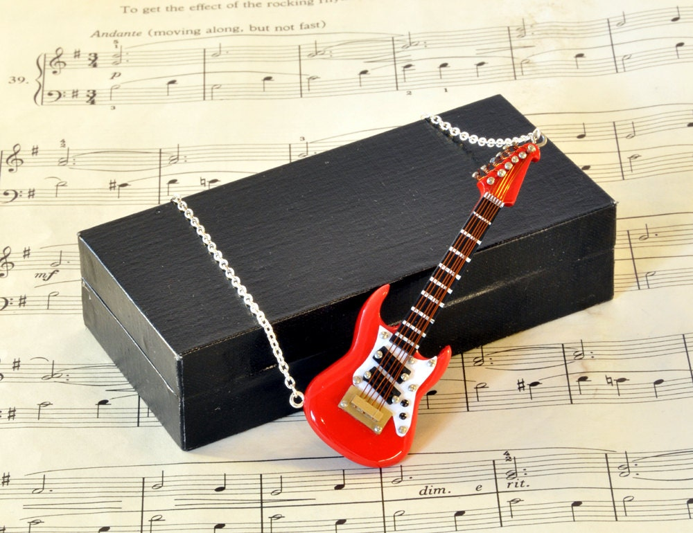 Electric Guitar Necklace in Case - Guitar Gift - Fender Stratocaster - Guitar Jewellery