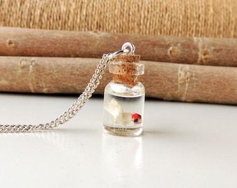 Swimming Fish Bottle Necklace, Miniature Diorama White Fish Bottle Pendant, Fish Jewelry, Resin Jewelry, Bottle Jewelry, UK (1645)