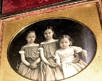 Wonderful 1850s 1/4 Daguerreotype of Little Girls ~ Two in Matching Dresses