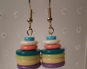 LUCITE RAINBOW EARRINGS / Pierced / Dangle / Donut / Multicolors / Art Moderne / Hipster / Modernist / Retro / One-of-a-Kind / Accessories