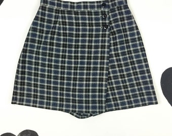 90's plaid skort 1990's knit high waist mini skirt shorts / preppy / grunge / Clueless / kilt  / blue black / high waisted / size 12 L XL