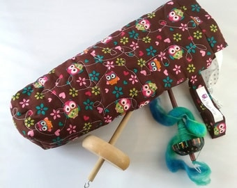 Quilted spindle bag spinning Owls