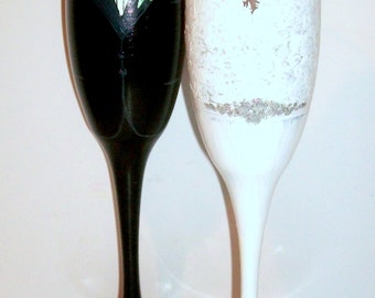 Bride and Groom Tux and  Wedding Dress  Hand Painted Wedding Champagne Flutes Set of 2 / 6 oz Custom Made To Order Toasting Flutes