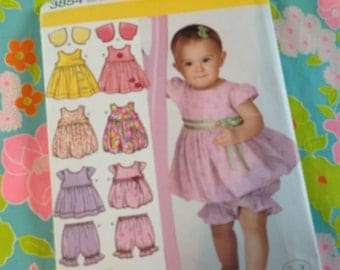 Simplicity Pattern 3854, toddler dress, toddler jumper, toddler pantaloons