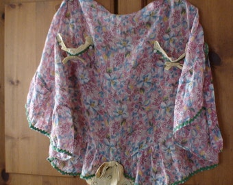 Mid-Century Handmade Pocketed Cotton Floral Apron, Featuring 2 Yellow Lace, Button, Rickrack, Bow Trimmed Pockets and Bottom Ruffle