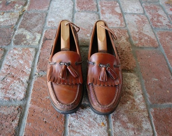 VTG Mens 10.5 Bass Slip On Loafers Brazilian Rustic Brown Leather Boat Deck Shoes Dress Casual Walking Shoes Tassel Frill Loafers Preppy