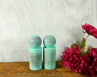Shabby chic Salt and pepper shakers, Painted Distressed salt and pepper set, wood