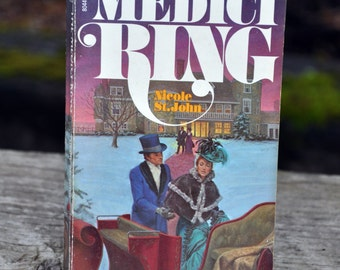 The Medici Ring by Nicole St. John, book, Horror, Gothic, Macabre Pocket books 1976