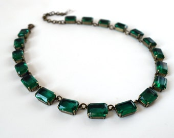 Emerald Green Crystal Necklace, Anna Wintour Necklace, Green Collet Necklace, Georgian Paste Riviere, 18th Century, 19th Century, regency