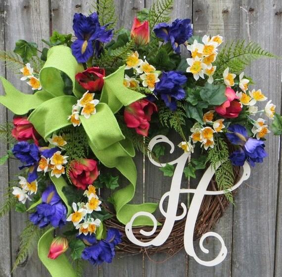 Tulip Spring Wreath, Red Tulips Spring Wreath, Easter Wreath, Monogram Wreath, Wreath with Letter, Green Burlap Wreath, Springtime Design