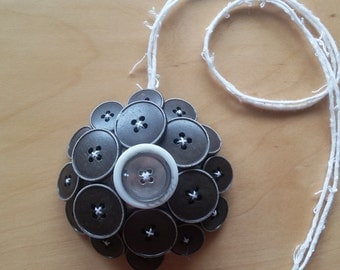 Fabric and buttons necklace pendant - style 3 -