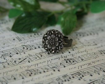 Glass Flower Ring Victorian button ring - made with a black glass button
