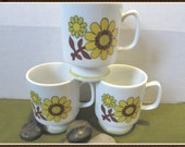Vintage Pedestal Coffee Mug - Set of 3 - Sunny yellow floral coffee mugs - Mod floral mugs - 1970 style - Tea cups - Floral Tea Cups