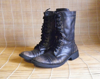 Vintage Lady's Aged Black Leather Lace Up Ankle Boots Size EUR 38 / US Woman 7 1/2