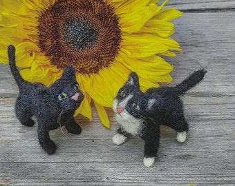 Miniature black cat needle felted sculpture dollhouse animal for fashion dolls miniature collectors tiny felted kitty black  Halloween cat