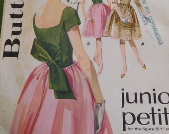 """Vintage 60's Butterick Junior Petite #2498 Sewing Pattern Women's Full Skirted Dress Bust 31"""" Complete"""