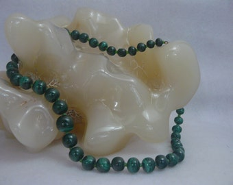 Hand Carved African Malachite Gemstone Graduated Bead Necklace
