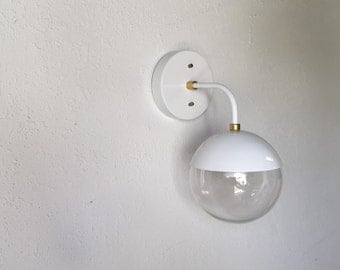Modern Brass Light vintage style wall sconce with glass globe - Snow