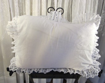 Vintage 80's white polyester lace standard sham cover