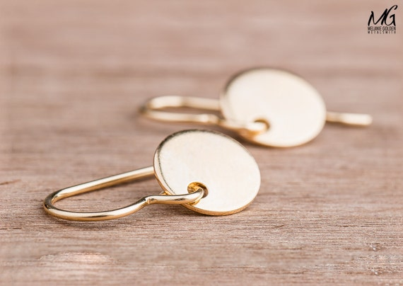 Gold Round Circle Disc Dangle Drop Earrings in 14K Yellow Gold Fill - Smooth Round Mirror earrings - Medium 9mm Earrings - Circle Earrings