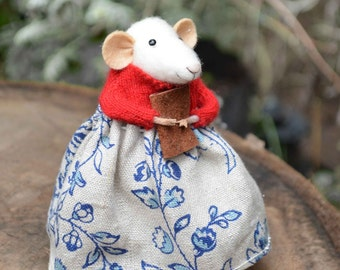 Little Mouse- Needle Felted Doll Rustles from the Meadow