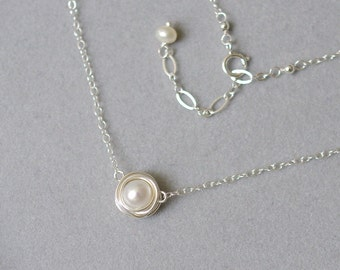 Choker necklace with white fresh water pearls, sterling silver, wire wrapped. N088.