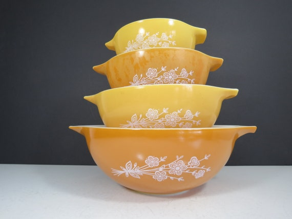 Pyrex Mixing Bowls Set Vintage Butterfly Gold Yellow And