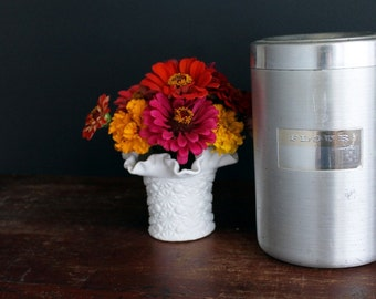 Vintage Aluminum Flour Canister with Lid and Cream Plastic Handle