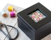 Modern cross stitch kit, Wood box with hand stitching, Beginner cross stitch pattern, Mother's Day gift, Bridesmaid gift, Jewelery box