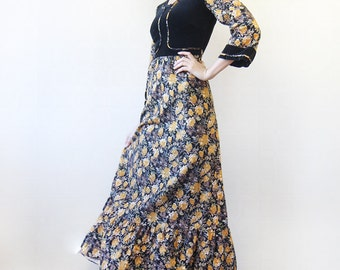 Vintage boho folk style black floral print ruffled long sleeve maxi dress XS
